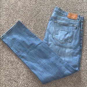 Vineyard Vines men's jeans 38x32